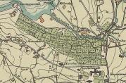 På kartet fra 1907, ajourført til 1915, ser vi at gravplassens ulike områder betegnes som Møllendal begravelsesplass, Grønneviken begravelsesplass og Haukeland begravelsesplass. På nedre del av gravplassen ser vi også kapellet. Utsnitt av kart fra arkivet etter Bergen kommune. Oppmålingsvesenet.