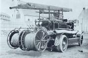 """""""Dennis"""" utrykningsvogn fra 1923. Foto fra Brosing, G. Bergen Brannvesen 1863-1963. Foto fra Fotograf ukjent."""