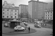 Danmarksplass og Fjøsangerveien 28.februar 1964. Fotograf ukjent. Arkivet etter Bergens Arbeiderblad.
