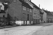 Damsgårdsveien 20-24 i 1950-årene. Foto: Gustav Brosing. Billedsamlingen. Universitetsbiblioteket i Bergen.
