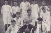 Ullskjortelaget, ca 1926. Ukjent fotograf. I Fjeldberg, S. Madsen, W. Carlsen, R. Eliassen, A. Forthus, J. Moe, H. Andersen, A. Fløysand, Sv. Sjursen, S. Furubotten og N. Andersen.