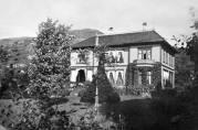Konsul Thesens hus «Alrekstrand». Ukjent år og fotograf. Billedsamlingen UBB. (Kat. sign.UBB-BROS-04982)