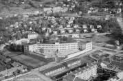 Fridalen skole. Widerøes flyveselskap, 1948. Universitetsbibliotekets billedsamlinger