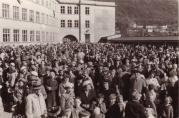 17. mai på Fridalen skole, 50-tallet. Ukjent fotograf. Fra arkivet etter skolen, BBA.