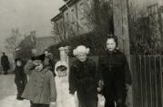 Gode venner i Falsens vei ca. 1947. Tore Jan Lund og lillebror Harald i hvite luer.