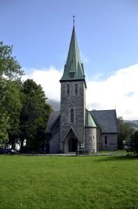 Årstad kirke, Jonas Lies vei 70, ble innviet i 1890. Den ble tegnet av arkitekt Chr. Christie.<br />Fotograf: Knut Skeie Aksdal, Bergen Byarkiv, 2013.