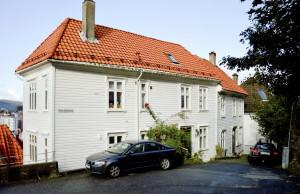 Øvre Fjellsmauet. Frem til 1881 ble smauet kalt Kleiven og Elvesmauet. Fotograf: Knut Skeie Aksdal, Bergen Byarkiv, 2013.