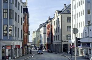 C. Sundts gate er oppkalt etter kjøpmann og reder Christian Gerhard Ameln Sundt (1816-1901). Fotograf: Ingfrid Bækken. Bergen Byarkiv.