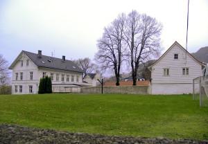 Årstad gård, Årstadgjeilen 25. Tidligere lyststed, nå Alrekstad skole. Fotograf: Ine Merete Baadsvik, Bergen Byarkiv.