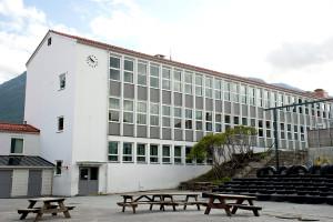 Kronstad skole ble tegnet av arkitekt Arne Schanke, og sto ferdig i 1965. Fotograf: Katarina Lunde, Seksjon informasjo, Bergen kommune.