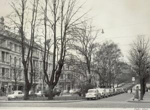 Ole Bulls plass fotografert i februar 1961. Fotograf: Ukjent. Arkivet etter Reguleringsvesenet, Byplansjefen, Bergen Byarkiv.