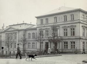 Logen, Den Gode Hensigt fotografert i februar 1961. Fotograf: Ukjent. Arkivet etter Byplansjefen, Bergen Byarkiv.