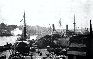 Bradbenkbryggen fotografert 1. august 1916. Fotograf: Ukjent Arkivet etter Havneingeniøren, Bergen Byarkiv.
