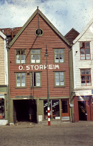 Bredsgården på 1950-tallet. Fotograf: Ukjent<br />Arkivet etter Reguleringsvesenet i Bergen, Bergen Byarkiv.
