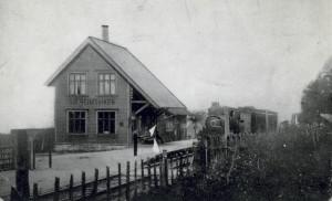 Solheimsviken stasjon var opprinnelig første stasjon på Vossebanen etter Bergen jernbanestasjon. Den ble lagt ned i 1913 da Bergensbanens trasé ble flyttet til østsiden av Store Lungegårdsvann.