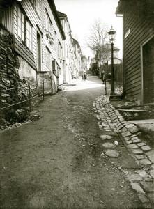 Skivebakken fotografert rundt år 1900. Fotograf: Ukjent. Arkivet etter Reguleringsvesenet, Bergen Byarkiv.