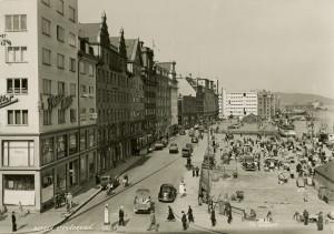 Strandkaien på slutten av1930-tallet. Fotograf: K.K. Bergen. Arkivet etter Reguleringsvesenet, Bergen Byarkiv.