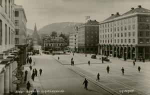 Torgallmenningen rundt 1930. Fotograf: K.K. Bergen. Arkivet etter Reguleringsvesenet, Bergen Byarkiv.