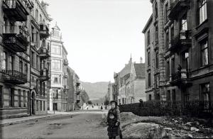 Welhavens gate omkring 1914. Fotograf: Ukjent. Arkivet etter Stadsingeniøren, Bergen Byarkiv.