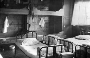 Sovesal på Mjølfjell feriekoloniv rundt 1940. Fotograf: Ukjent. Arkivet etter Mjølfjell feriekoloni, Bergen Byarkiv.