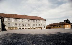 Liland skole, Lilandsvegen 50. Fotograf: Ukjent. Arkivet etter Liland skole, Bergen Byarkiv.