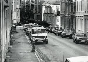 Frederik Meltzers gate fotografert i september 1984. Arkivet etter Kom.avd. fritid, kultur og kirke, Bergen Byarkiv.