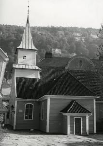 St. Jørgens hospitalskirke. Opprinnelig kirke for spedalske fra 1706. Fotograf: Øyvind H. Berger. Fotoregistrering av Bergen, Bergen Byarkiv.