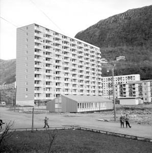 Høyblokken, Mannsverk 4, fotografert 16.november 1959.  Fotograf: D.L.P. Arkivet etter Reguleringsvesenet, Bergen Byarkiv.