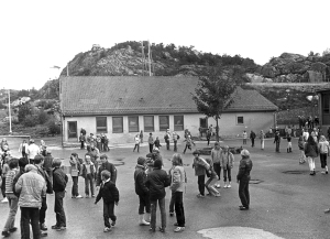 Mathopen skole på 1970-tallet. Fotograf: Ukjent. Arkivet etter Mathopen skole, Bergen Byarkiv.