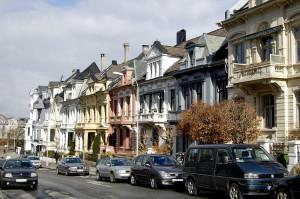 Parkveien ble anlagt og utbygd i 1880-årene med boliger for velstående borgerskap.