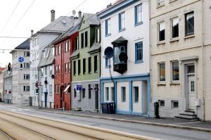 Bjørnsons gate ble oppkalt etter forfatteren Bjørnstjerne Bjørnson i 1916. Den går fra krysset Edvard Griegs vei/Fjøsangerveien til Inndalsveien. Fotograf: Ingfrid Bækken, Bergen Byarkiv.