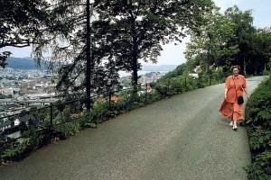Fjellveien, en populær vei både for joggere og spaserende. Fotograf: Norvall Skreien.