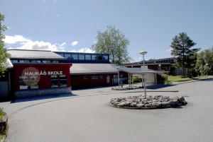 Haukås skole. Fotograf: Ragnhild Øverland Arnesen, Seksjon informasjon, Bergen kommune.