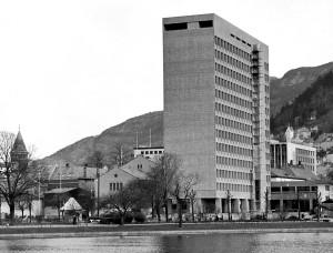 Rådhuset i Bergen. Fotograf: Ukjent. Arkivet etter Morgenavisen A/S, Bergen Byarkiv.