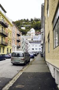 Richard Nordraaks gate er oppkalt etter komponisten Rikard Nordraak (1842–66). Fotograf: Knut Skeie Aksdal, Bergen Byarkiv, 2013.