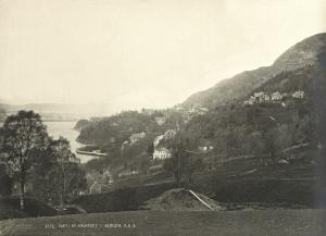 Parti av Kalfaret. Udatert foto. Fotograf: Knud Knudsen. Arkivet etter Bergen formannskap, Bergen Byarkiv.