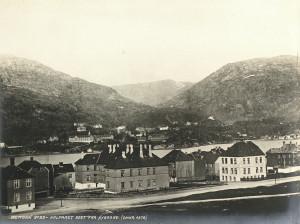 Fosswinckelsgate på Nygård bygges ut i siste halvdel av 1870-årene. Foto: Knud Knudsen. Arkivet etter Formannskapet, Bergen Byarkiv.