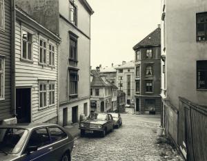 Munkebekksmauet fikk navn etter en bekk som gikk gjennom området tidligere. Foto fra rundt 1980. Fotograf: Øyvind H. Berger.