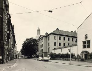 Bergen katedralskole på slutten av 1970-tallet. Fotograf: Øyvind H. Berger. Fotoregistrering av Bergen, Bergen Byarkiv