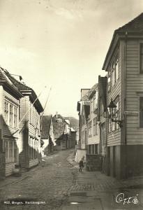 Nordnesgaten fotografert før 2 verdenskrig. Fotograf: Ukjent. Arkivet etter Luster Sanatorium, Bergen Byarkiv.