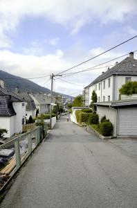 Laura Gundersens gate er oppkalt etter skuespillerinnen Laura Sofie Coucheron Gundersen. Fotograf: Knut Skeie Aksdal, Bergen Byarkiv, 2013.