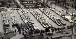 Festplassen da den ble brukt som parkeringsplass. Foto fra rundt 1980.