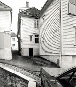 Telthussmauet. Udatert foto. Fotograf: Ukjent. Arkivet etter Morgenavisen A/S, Bergen Byarkiv.