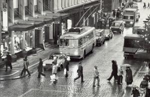 Starvhusgaten fotografert rundt 1980. Fotograf: Kristian Dahl. Arkivet etter Morgenavisen A/S, Bergen Byarkiv.