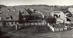 Den gamle bebyggelsen på slakthustomten har fått navnet Sandviksboder 1 AS, og eies av Westfal-Larsen Invest AS og Magnus Helland AS. Udatert foto. Fotograf: Ukjent.  Arkivet etter Morgenavisen A/S, Bergen Byarkiv