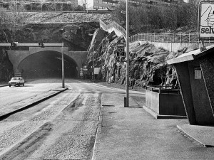 Løvstakktunnelen, 2.045 meter lang, forbinder Fyllingsdalen med Gyldenpris og Bergen sentrum. Fotograf: Jørn Seim. Arkivet etter Morgenavisen, Bergen Byarkiv.