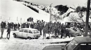 Skidag på Totland, foto fra 1970-tallet. Fotograf: Ukjent. Arkivet etter Morgenavisen A/S, Bergen Byarkiv.