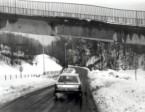 Sandbrekkevegen. Udatert foto. Fotograf: Ukjent. Arkivet etter Morgenavisen A/S, Bergen Byarkiv.