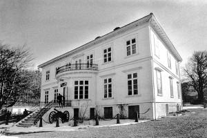 Kommandantboligen, Gravdalsveien 155. Fotograf: Ukjent. Arkivet etter Morgenavisen A/S, Bergen Byarkiv.