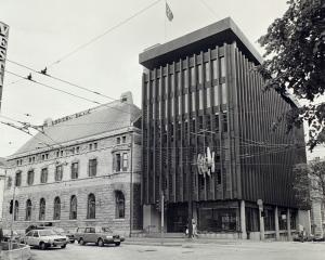 Bergen Bank i 1982. Fotograf: Henriksen. Arkivet etter Morgenavisen A/S, Bergen Byarkiv.
